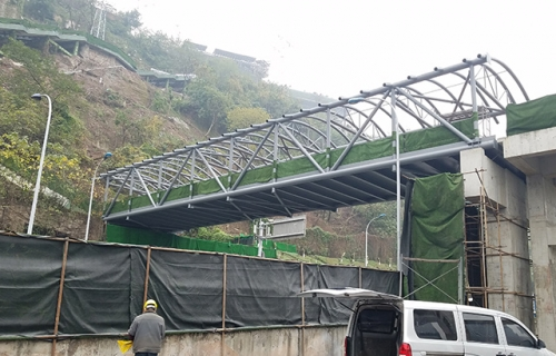化龙桥人行天桥钢结构工程